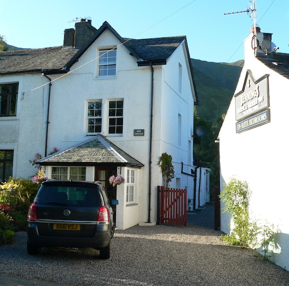 Front view of Rose                   Cottage, with ample parking and close to pub